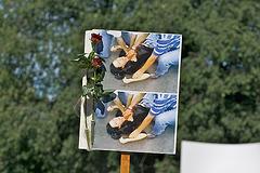 Por Neda, viktimo de polica teroro en Irano