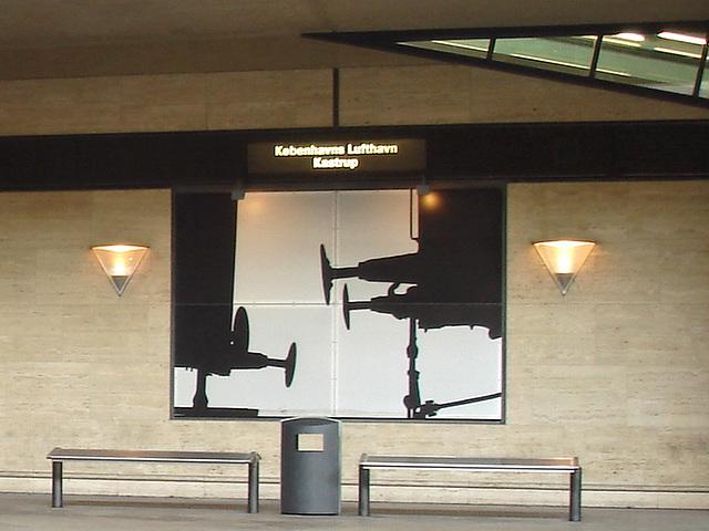 Décor aéroportuaire / Kobenhavns lufthavns Kastrup airport scenery - Copenhagen.  20-10-2008