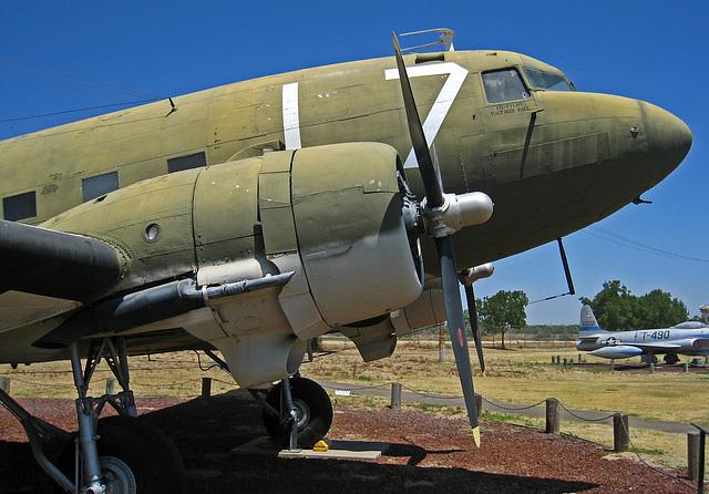 Douglas C-47 Skytrain (3046)