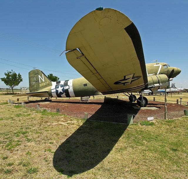 Douglas C-47 Skytrain (8412)