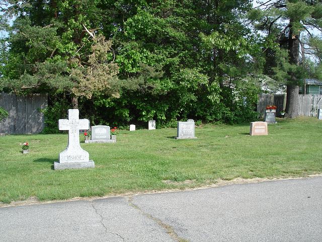 Cimetière St-Charles / St-Charles cemetery -  Dover , New Hampshire ( NH) . USA.   24 mai 2009 -  Bishop - Lemieux- Côté - Deschêne