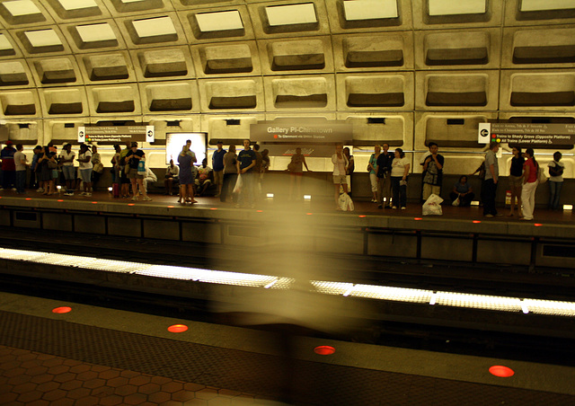 05.WMATA1.GalleryPlace.NW.WDC.18July2009.JPG