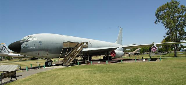 Boeing KC-135A Stratotanker (8495)