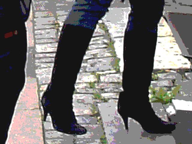 Bagels et bottes à talons hauts au menu / Bagels & booted Danish duo -  Copenhague / Copenhagen.  20 octobre 2008  -  Postérisation photofiltrée