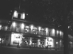 Éclairage cinématographique de soir / Cinema lighting.   Copenhague /  Copenhagen.  25-10-2008-  N & B
