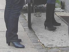 Bagels et bottes à talons hauts au menu / Bagels & booted Danish duo -  Copenhague / Copenhagen.  20 octobre 2008