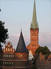 Holstentor, Salzspeicher & St. Petri, Lübeck