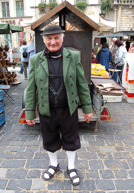 afablulo en popolkostumo de la altenburgaj kamparanoj- Freundlicher Mann in der Volkstracht der Altenburger Bauern