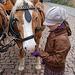 ĉevaloj ŝatas knabinojn - Pferde mögen Mädchen