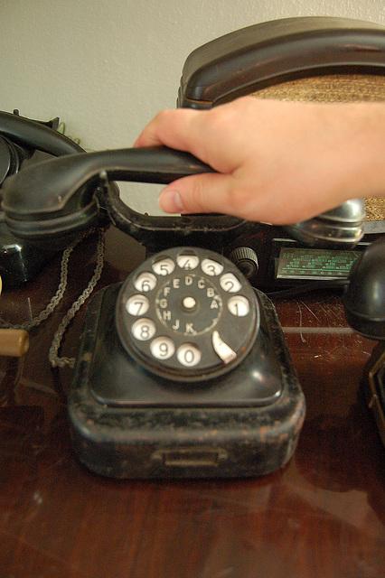 telefono antikveca