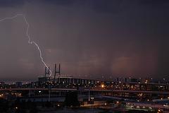 Lisboa, thunderstorm over the Bridge Vasco da Gama (1)
