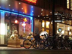 Vélos et dragons de nuit /Bikes & dragons night sight