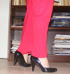 La Bibliotécaire sexy en talons hauts / The sexy librarian in high heels  - La Bibliotécaire sexy en talons hauts