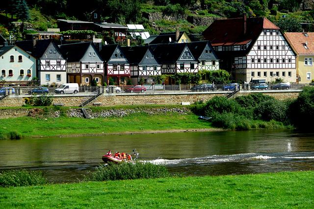 Ein schöner Sommertag - belega somero tago en Krippen / Bad Schandau