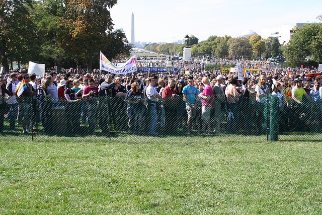 01.Press.Rally.NEM.Stage.USC.WDC.11October2009