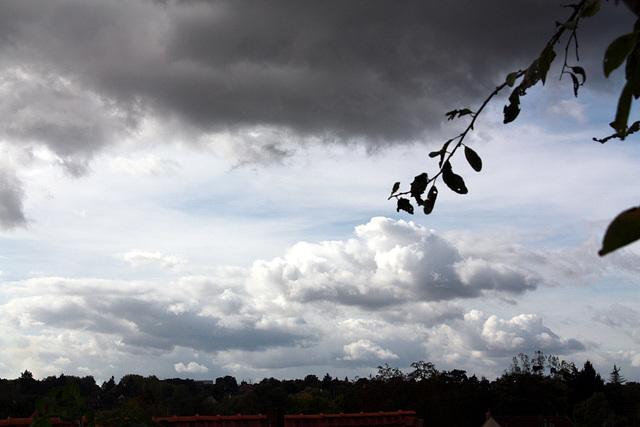 le ciel un peu chargé!!!!