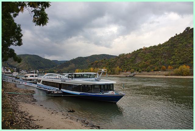 Der Rhein staubt