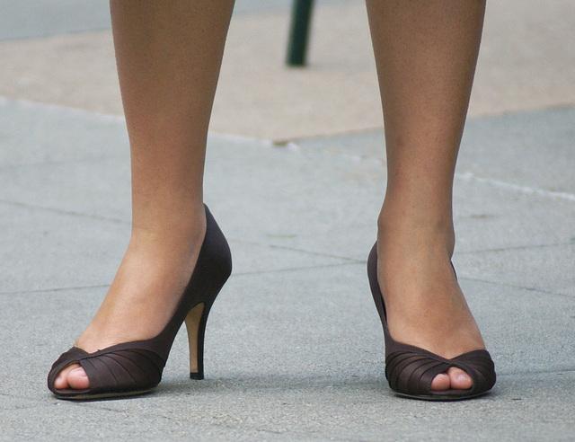 street shot: high heels at a street party