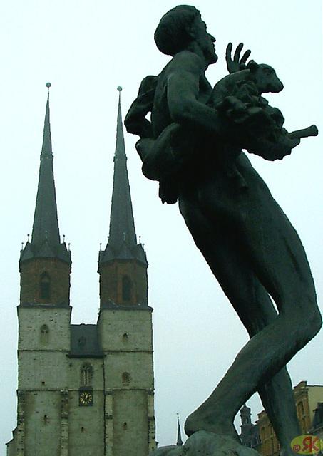 2009-10-24 08 Eo, ANABEL, Göbel-Brunnen, Halle