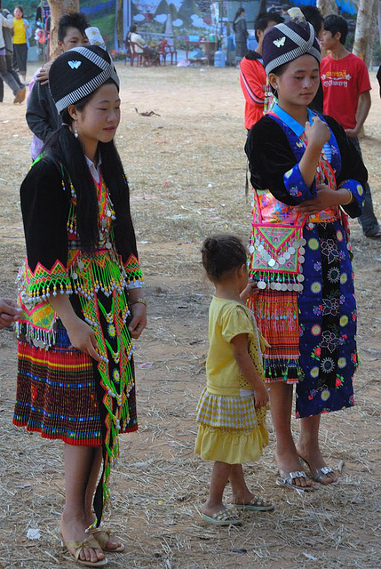Hmong girls in their dressing
