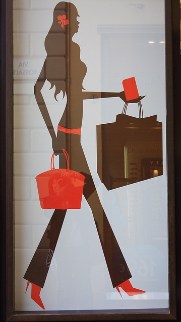 Par mon amie Simona -  Benetton designer advertising in Italy.  Avec permission