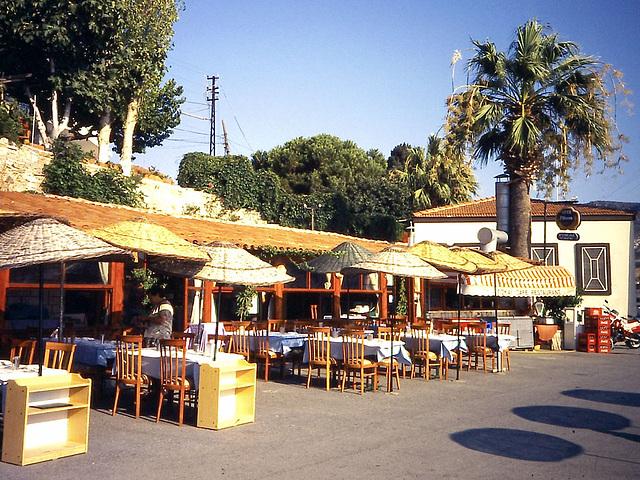 PICT0007 Fokai Cafe