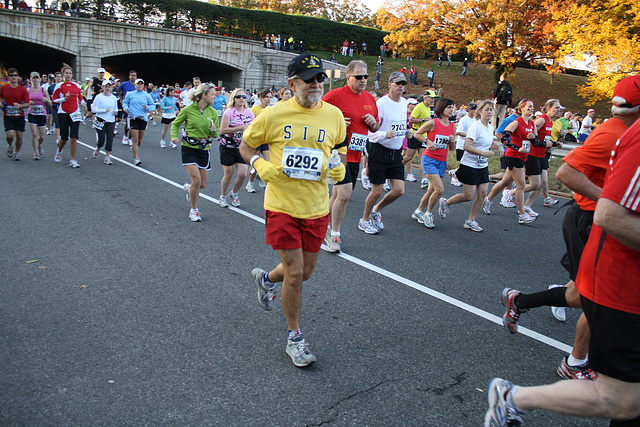 08.MCM34.TheRace.Route110.Arlington.VA.25October2009