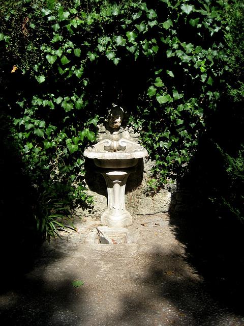 Oeiras, Municipal Garden, small fountain