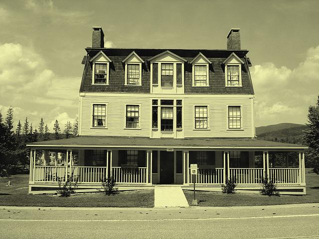 Campus Louise sur route 125. Green Mountains. Vermont , États-Unis / USA.  25 juillet 2009  - Vintage /  Photo ancienne