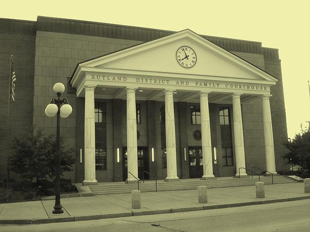 L'heure de la justice a sonné !   -  Rutland district and family courthouse. USA - Vintage
