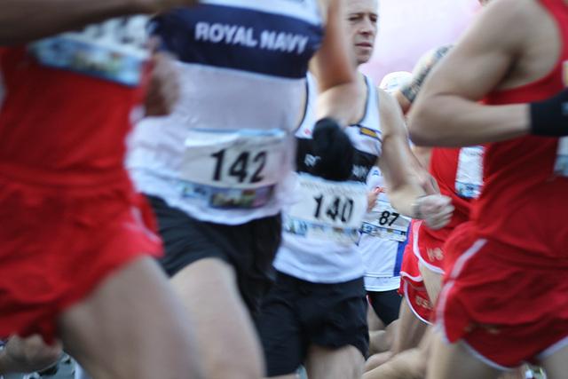 10.MCM34.RunnersStart.Route110.Arlington.VA.25October2009