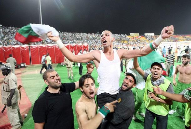 Le héros Chaouchi le gardien de but de l'équipe Algérienne.