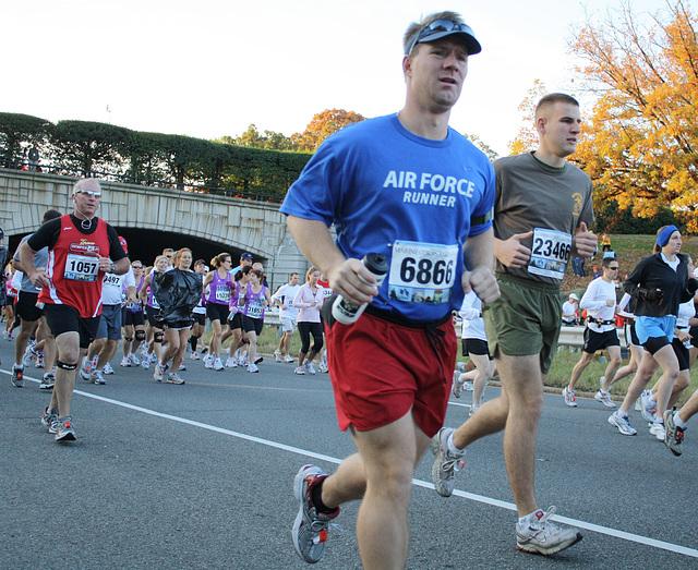 27.MCM34.TheRace.Route110.Arlington.VA.25October2009
