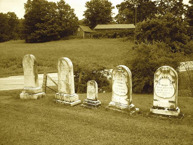 Lake Bomoseen private cemetery. Sur la 4 au tournant de la 30. Vermont, USA - États-Unis. - Sepia