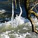 Wasser und Eiskristalle