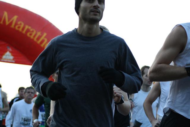13.MCM34.RunnersStart.Route110.Arlington.VA.25October2009