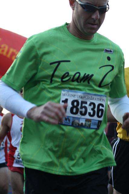 18.MCM34.RunnersStart.Route110.Arlington.VA.25October2009