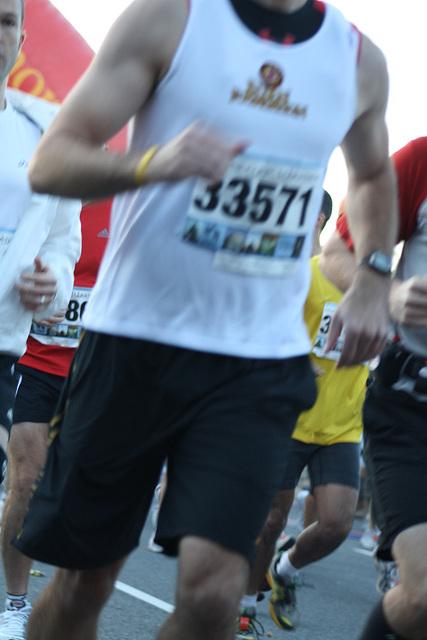 19.MCM34.RunnersStart.Route110.Arlington.VA.25October2009