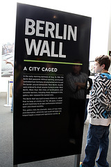 02.BerlinWallGallery.Newseum.WDC.8November2009