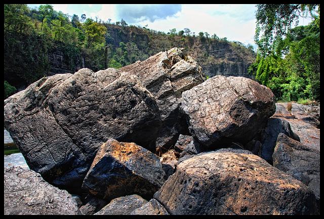 lost between rocks