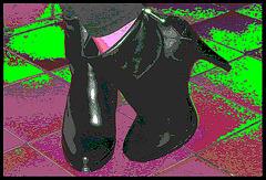 Fanny  / Fille de mon amie DD pot de colle /  DD's daugher  - Bottines CK à talons hauts .  With / Avec permission - Version photofiltrée.