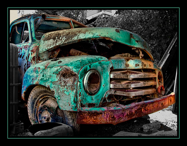the turquoise Opel.......