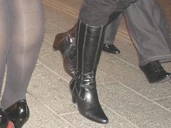 Jeunes Déesses danoises en talons hauts avec permission / Willing danish young Ladies in high heels with permission  - Copenhague.  25 octobre 2008.
