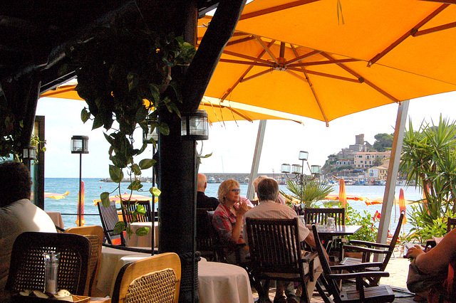 plaĝorestoracio - Strandrestaurant