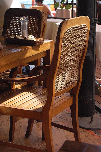 klasikaj mebloj - klassische Möbel