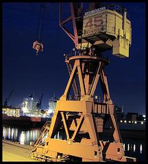 45 tons crane