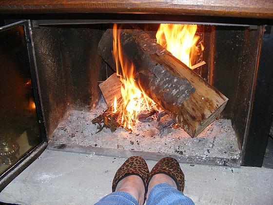 Mes pieds leopards bien au chaud /  Mon amie Christiane avec permission.