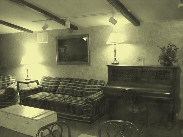 Econolodge. Mendon. Vermont - USA.  26 juillet 2009 - Piano room - Salle de piano -  Photo ancienne