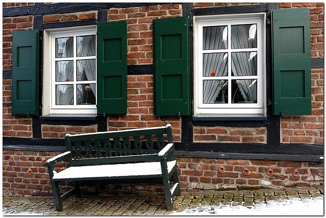 Fenster mit Bank