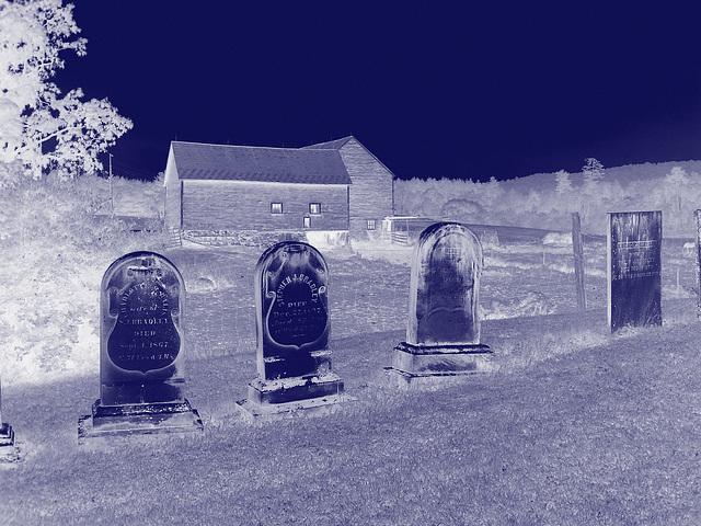 Lake Bomoseen private cemetery. Sur la 4 au tournant de la 30. Vermont, USA - États-Unis.  - Négatif RVB